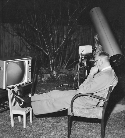 Gil Miles observing the Moon from his backyard at Croydon, Sydney in about 1961. Picture courtesy of John Flavin