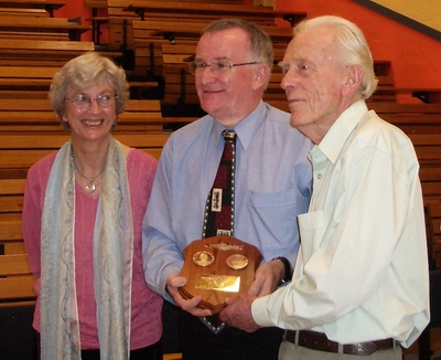 Bernie & Chrys Mills with Grote Reber Award & Martin George