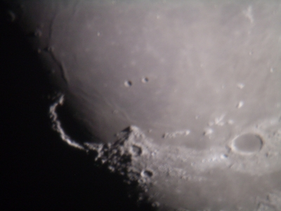 gibbous-moon_10-september_nick-lomb-3