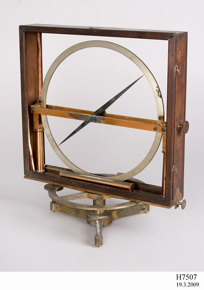 Dip circle magnetic instrument from Parramatta Observatory, image Chris Brothers, courtesy Powerhouse Museum