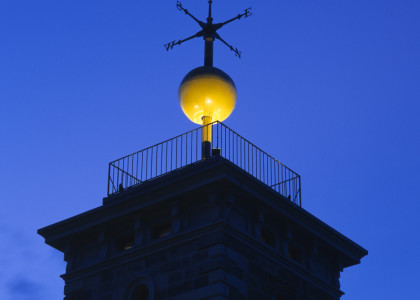 The time ball at Sydney Observatory in mid-drop