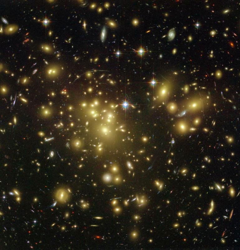 Galaxy Cluster Abell 1689 Deflects Light