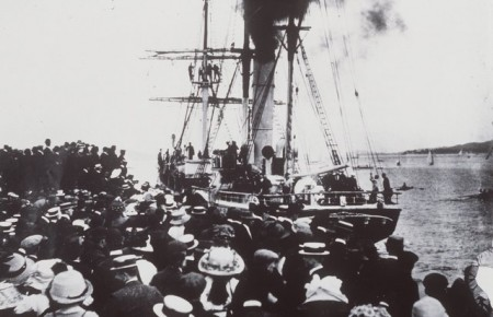 Steam yacht 'Aurora' leaving Hobart with a large crowd watching