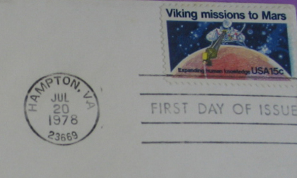 A philatelic cover from the E.A. and V.I. Crome collection showing the US postage stamp released in 1978 to celebrate the success of the Viking Mars missions
