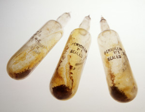 Photograph of Penicillin ampoules and packaging