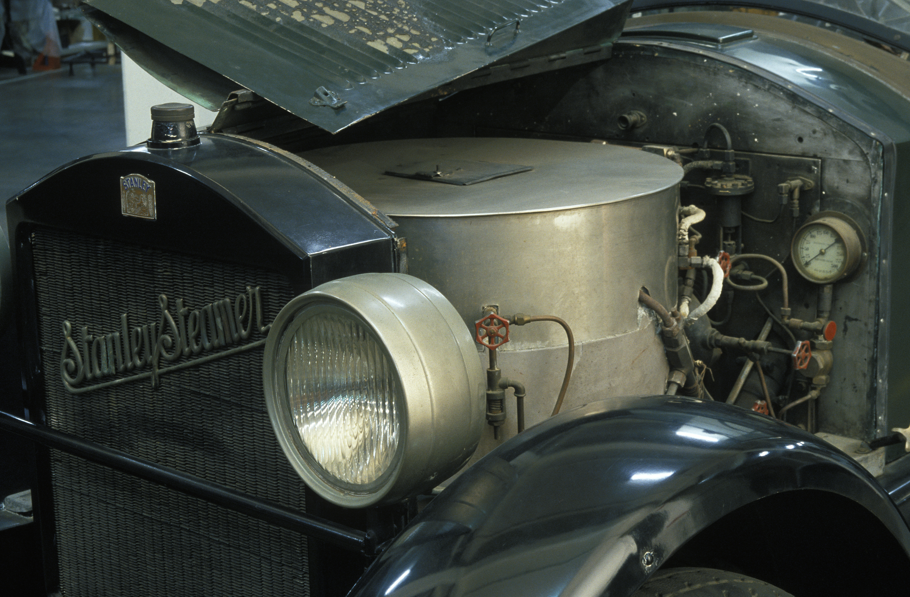 a steam powered car 1922 stanley steamer inside the collection. Black Bedroom Furniture Sets. Home Design Ideas