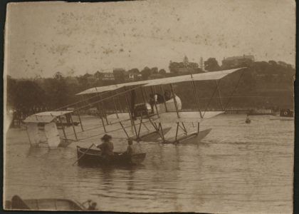 "Maurice Guillaux flying Lebbeus Hordern's Farman ""hydro-aeroplane"" over Sydney"