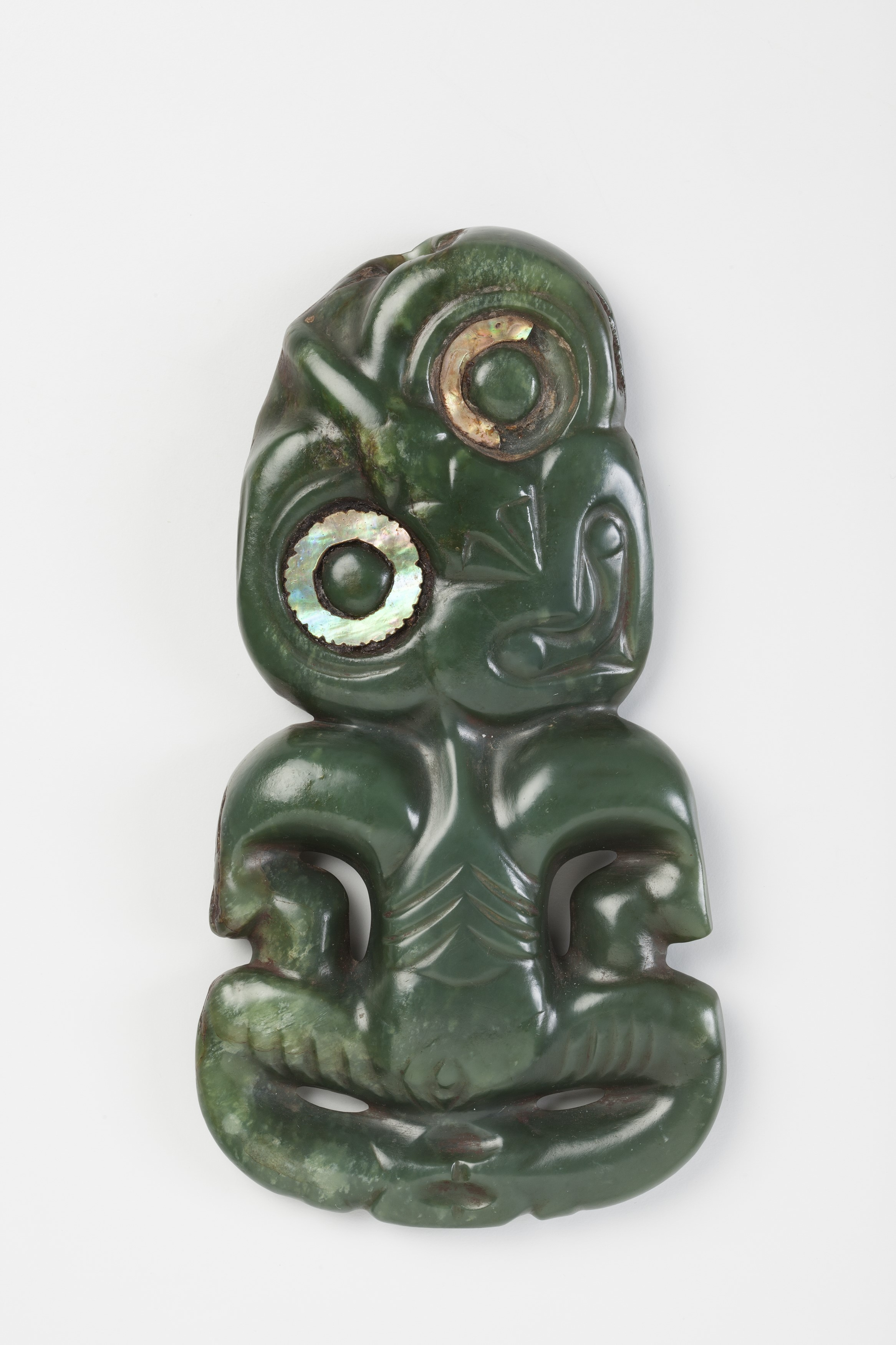 Pacific objects in focus new zealand hei tiki inside