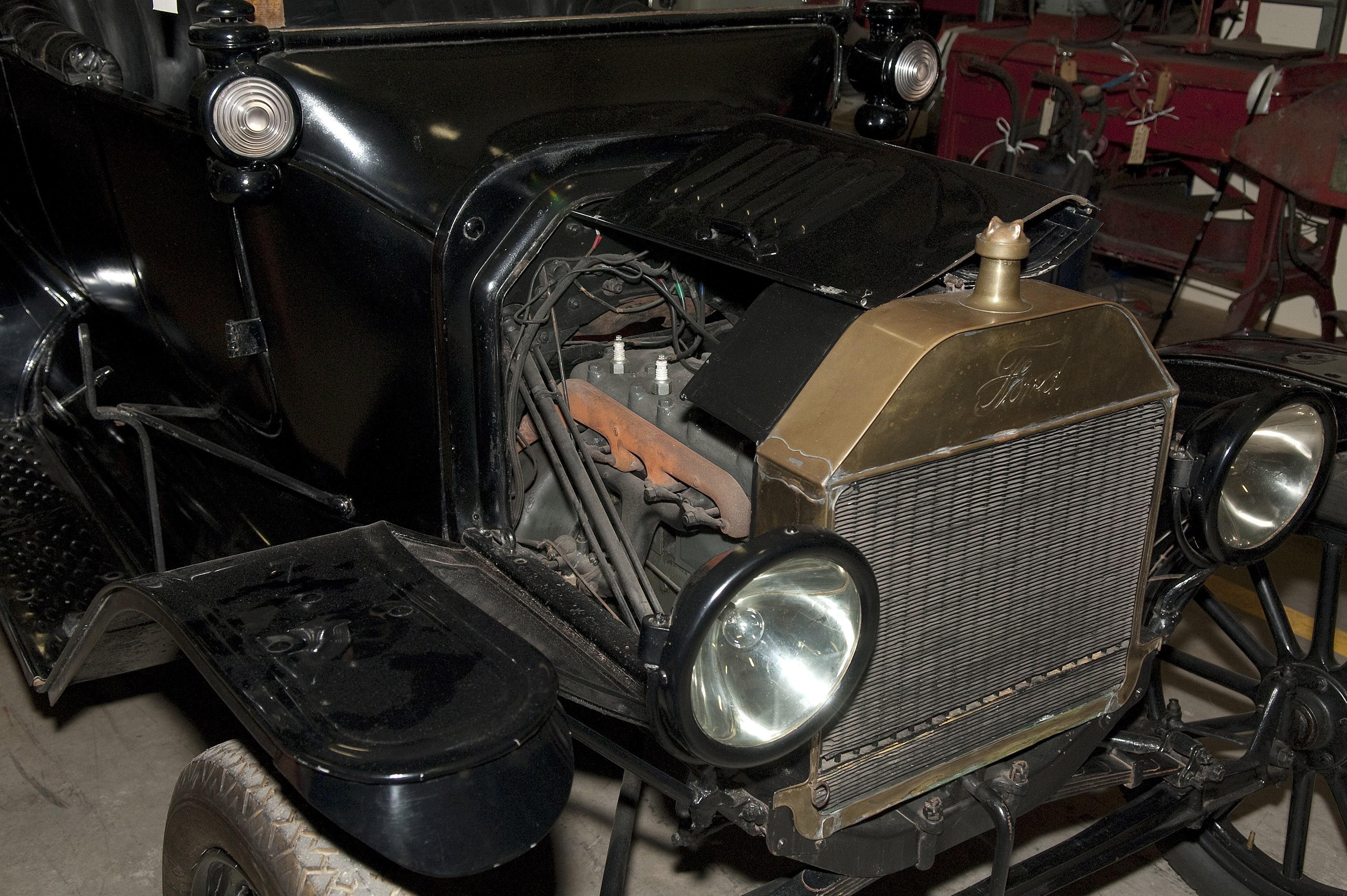 Henry Fords Model T And Its Impact In Australia Inside The Collection Driving Light Wiring Australian Land Rover Owners Detail Showing Engine Radiator Of Ford Motor Car Made At Walkerville Factory