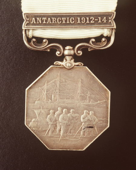 Medal awarded to Charles Laseron for participation in Mawson's 1912-1914 Antarctic expedition, made in England, 1915, MAAS collection