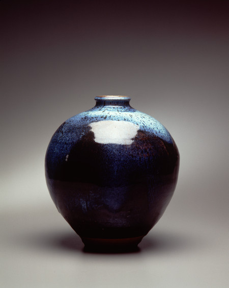 Woodfired stoneware jar made by Peter Rushforth in New South Wales,1996, MAAS collection 97/7/1
