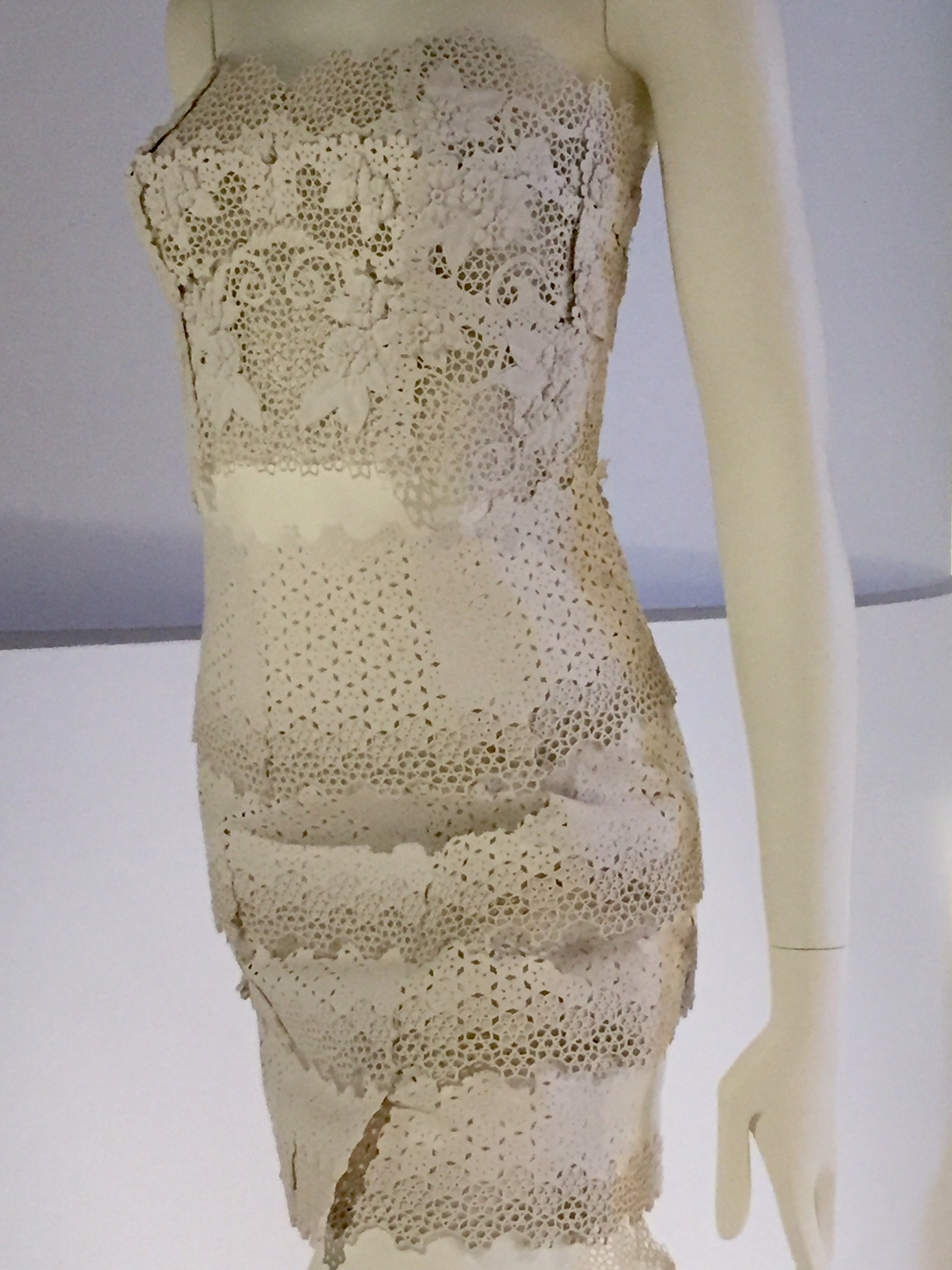 Printing fashion in 3D: the inBloom Dress – Inside the Collection