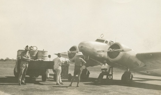 Refuelling Amelia's Lockheed Electra at Darwin Airport, 28 June 1937